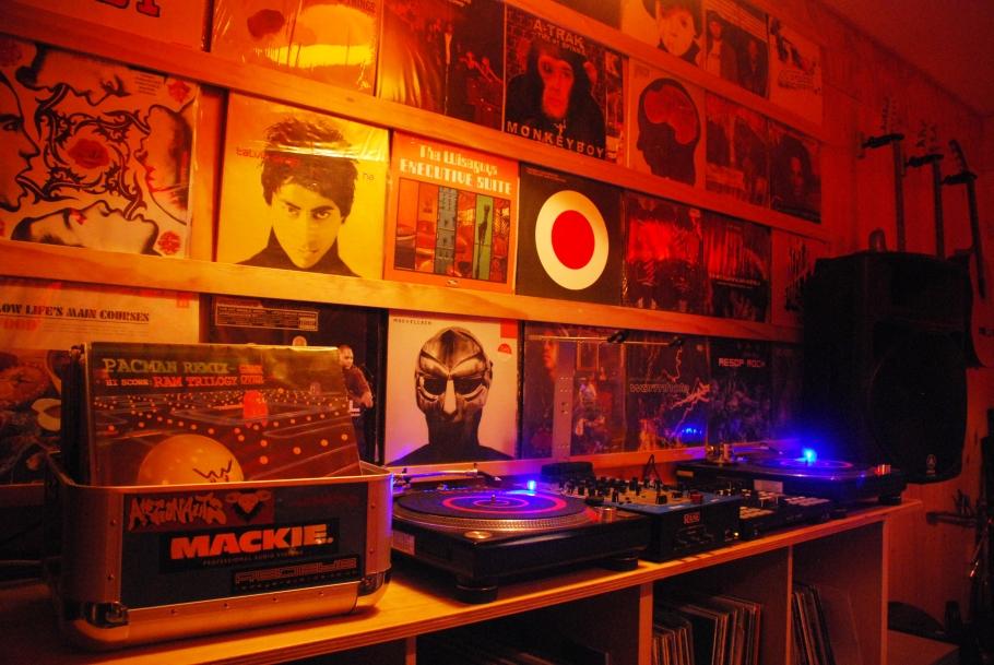 Records n stuff.